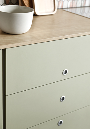Carousel-CC-Kitchen-Cabinetry-Drawers-02304x434.jpg