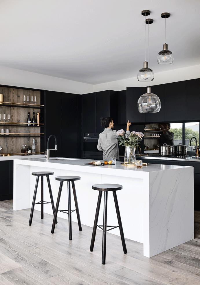 glamour-kitchen-sable-on-palm