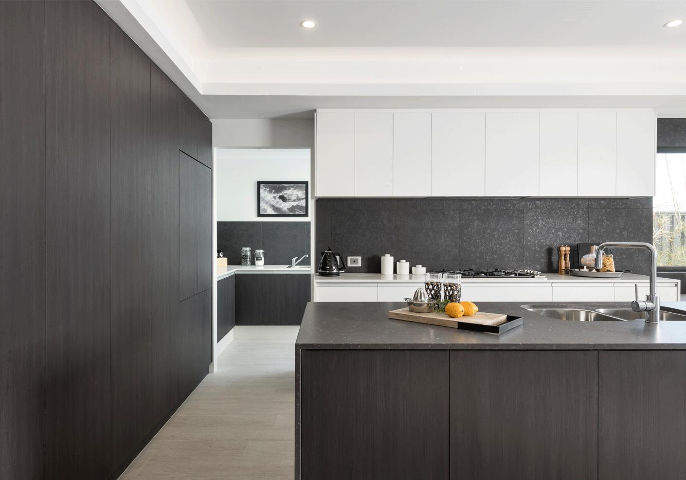 noir-kitchen-with-island-bench