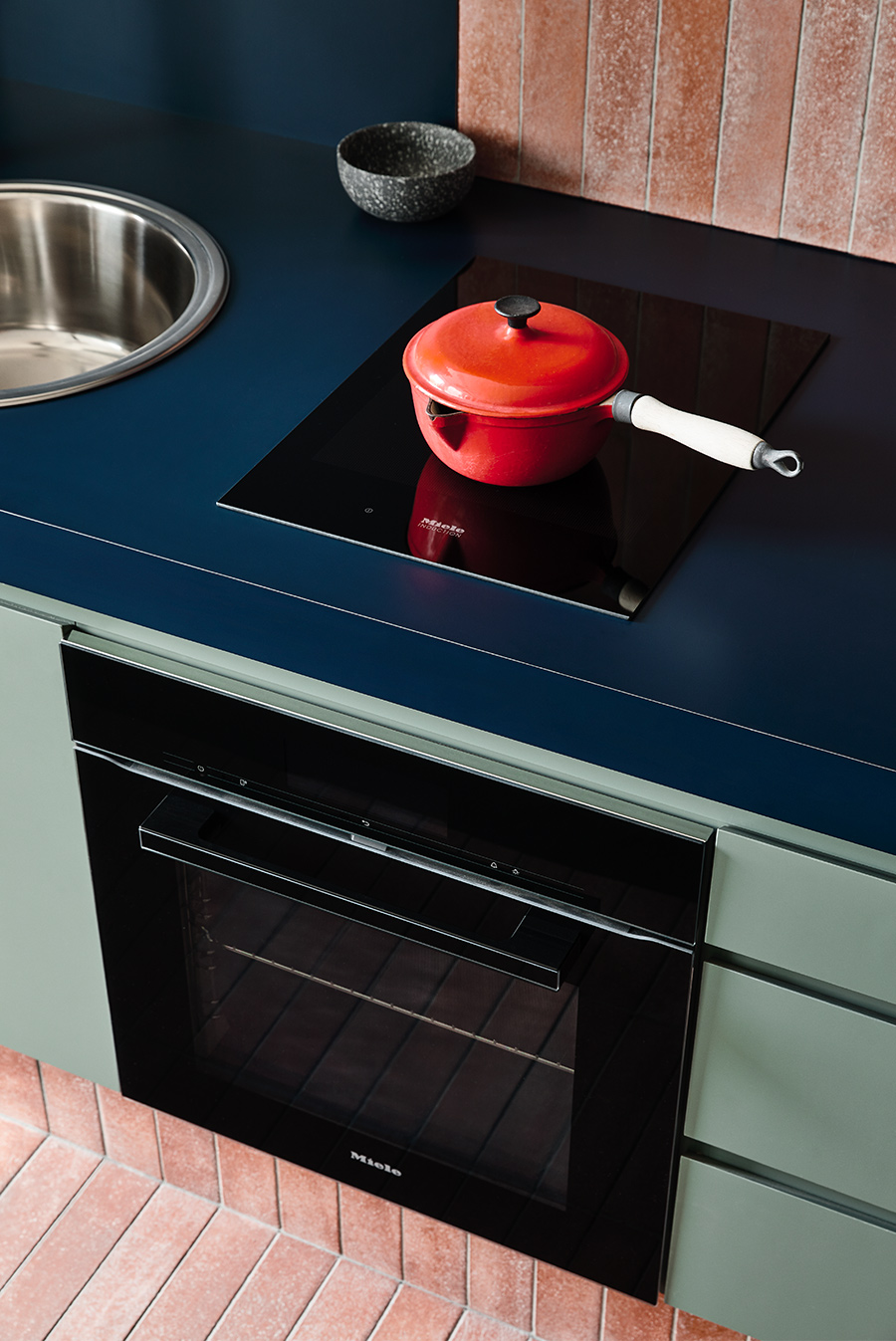 Studio-Kitchen-by-Kenney-Nolan-800mm-Benchtop