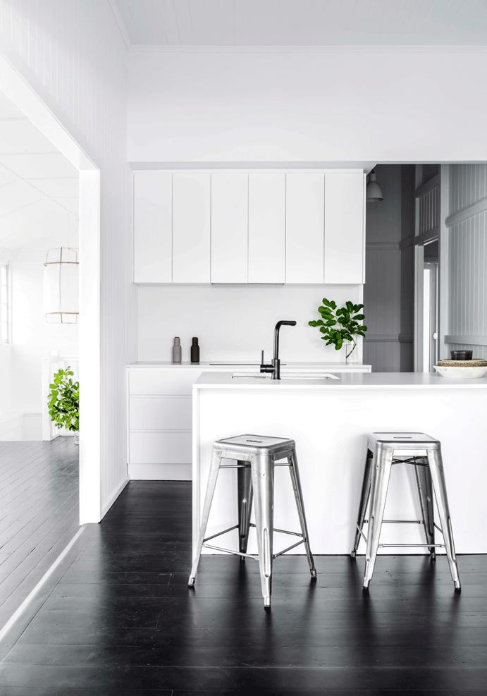 white-kitchen-by-sian-macpherson-for-est-living
